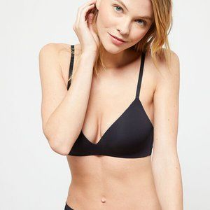 Thin cup bra without underwire